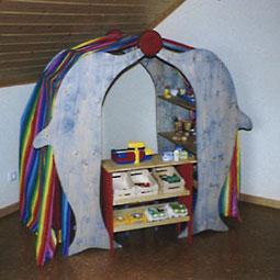spielende delphine f r das kinderzimmer. Black Bedroom Furniture Sets. Home Design Ideas
